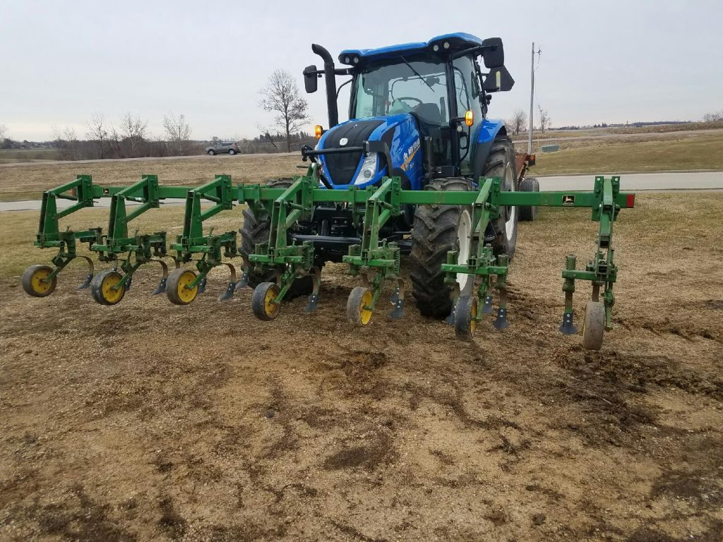 New Holland T6 SuperSteer with Zuidberg front 3pt hitch