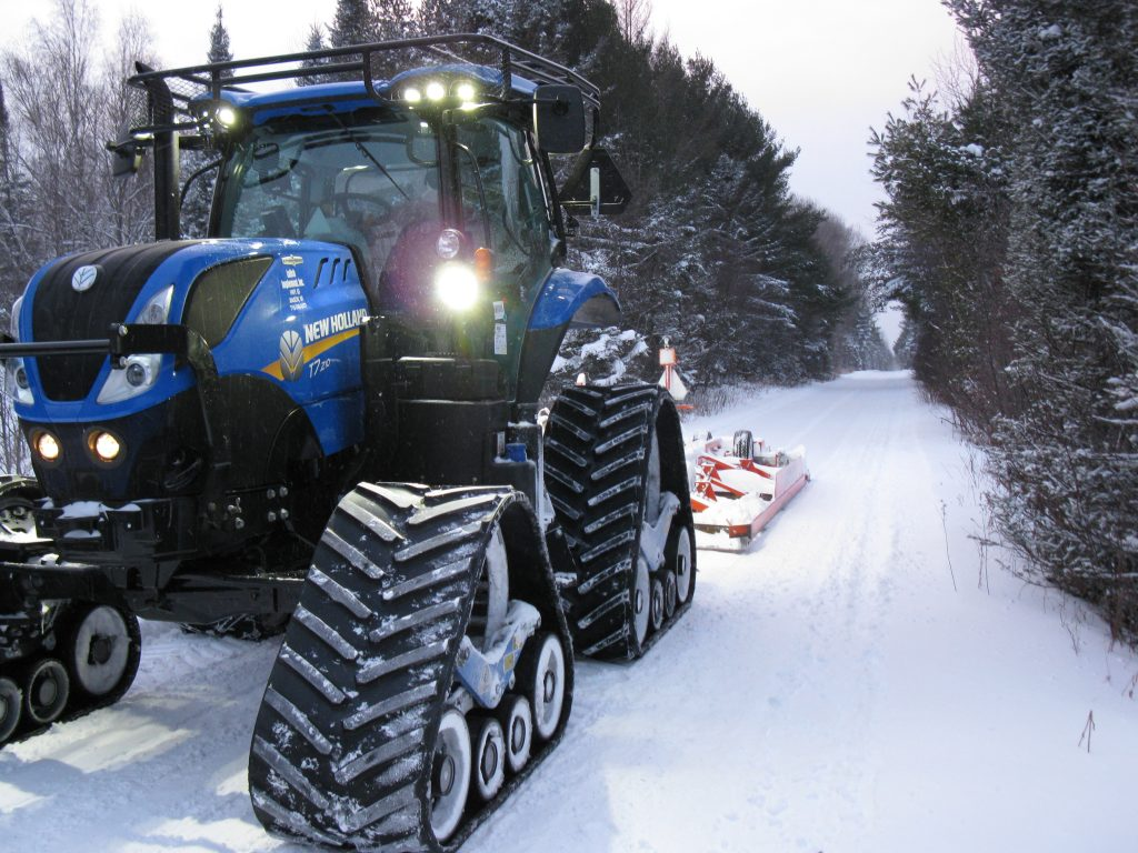 New Holland T7.210 tractor grooming snow mobile trails (2)