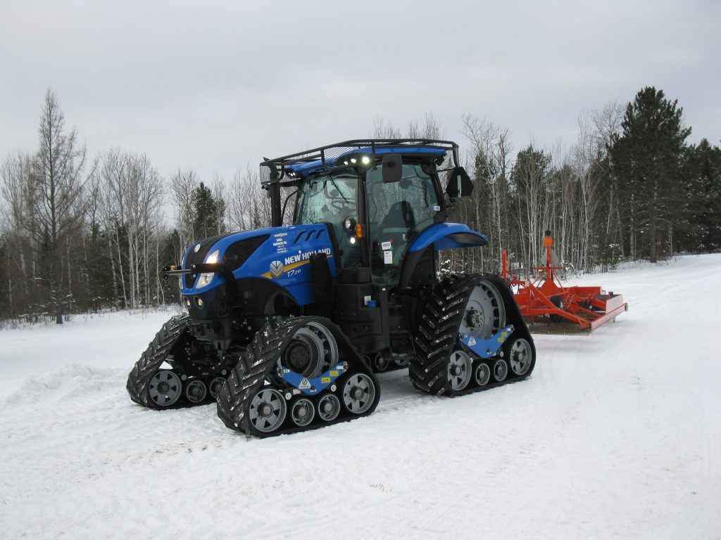 New Holland T7.210 tractor grooming snow mobile trails (3)