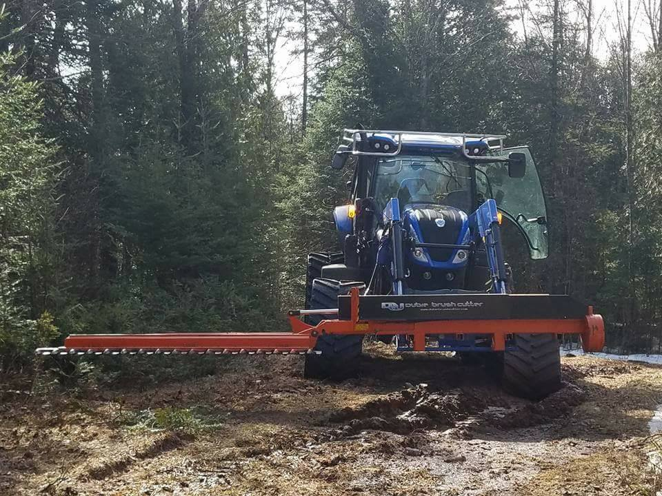 New Holland T7.210 trail grooming tractor (1)