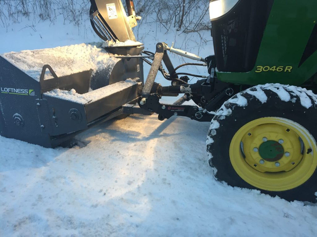 Zuidberg front 3pt hitch and PTO on a John Deere 3046R with a front mounted snow blower (2)