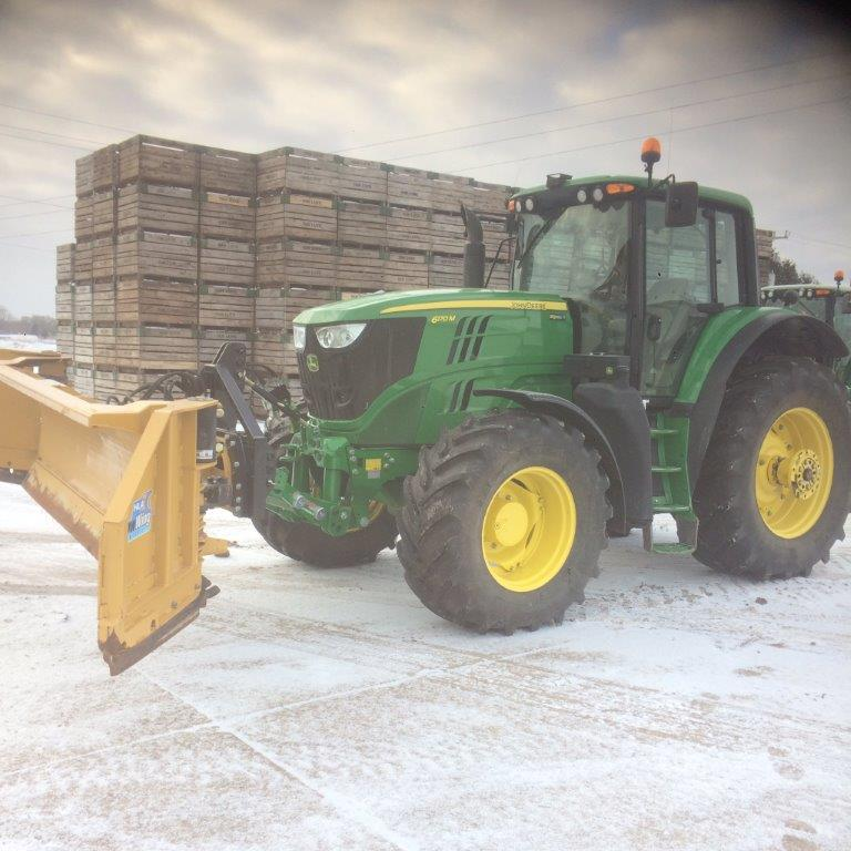 Zuidberg front 3pt hitch on a John Deere 6170M with a snow blade